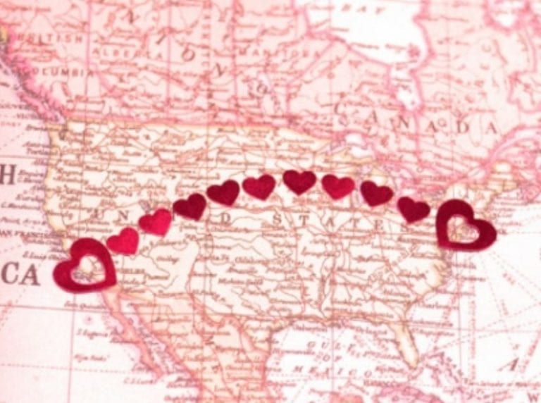 """7 Long-Distance Relationship Tips Inspired By The Movie """"Like Crazy"""""""