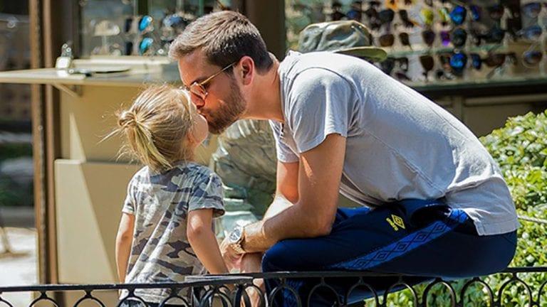 Celebrity dads   Reuters.com