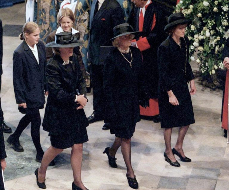 Why Did Princess Diana S Mother Leave Her Children The Frisky,Most Beautiful Places To Visit In The Us