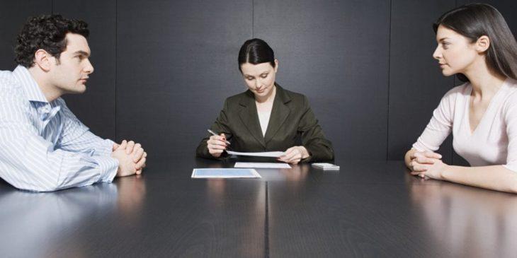 Hiring A Divorce Lawyer