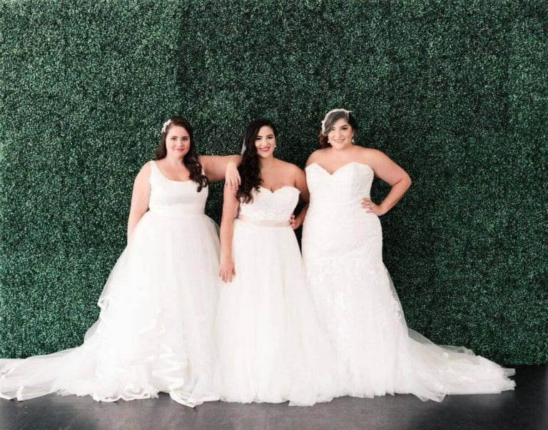 Wedding Gown For Petite Bride: The Perfect Bridesmaid Gown Styles For Curvy Ladies