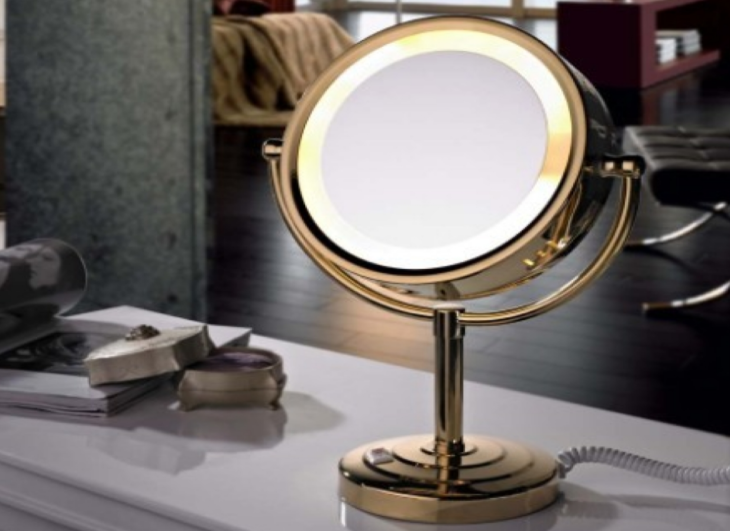 Top 5 Benefits Of A Makeup Mirror For A Perfect Look The