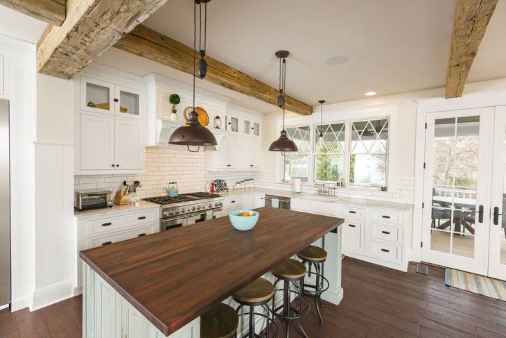 10 Best Modern Farmhouse Kitchen Ideas 2020 - The Frisky on Farm House Kitchen Ideas  id=38632