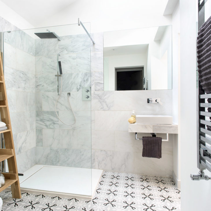 13 Designers Trick to Set Up Your Small Bathroom - The Frisky on Small Bathroom Ideas With Shower id=79891
