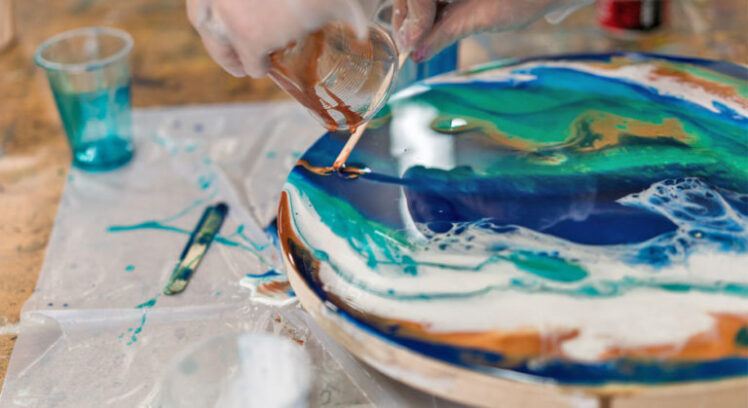 Resin Art – a fascinating Fluid Painting technique - The Frisky