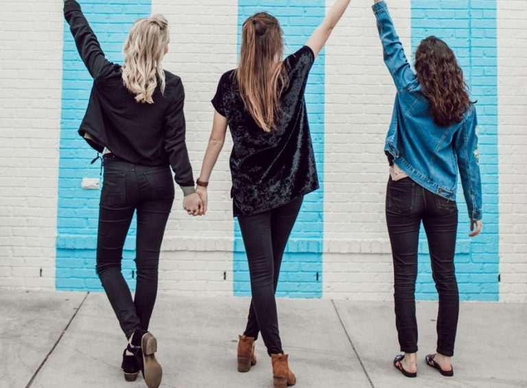 Check Your Vibes: 8 Ways To Make Friends Like A Grown-Up