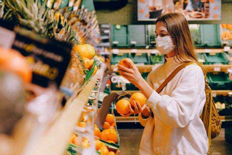7 Tips to Stay Safe From Coronavirus While Grocery Shopping