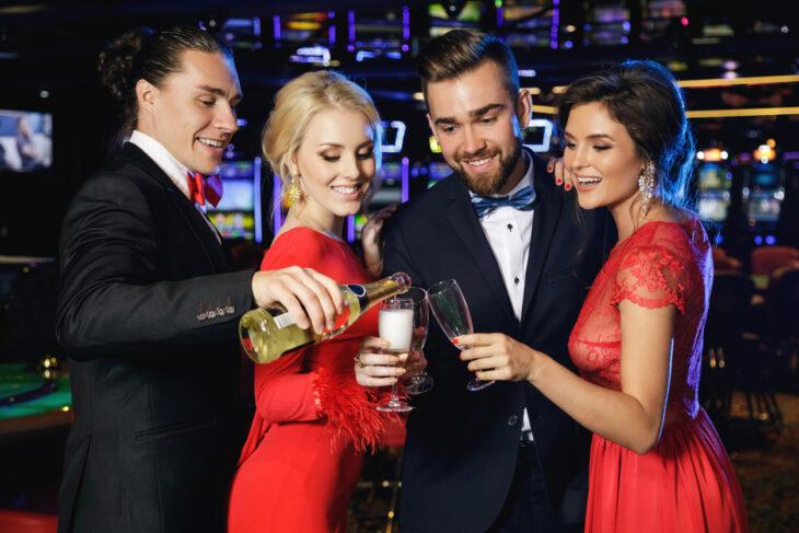 Casino Dress Code: Necessary or Restricting? - The Frisky