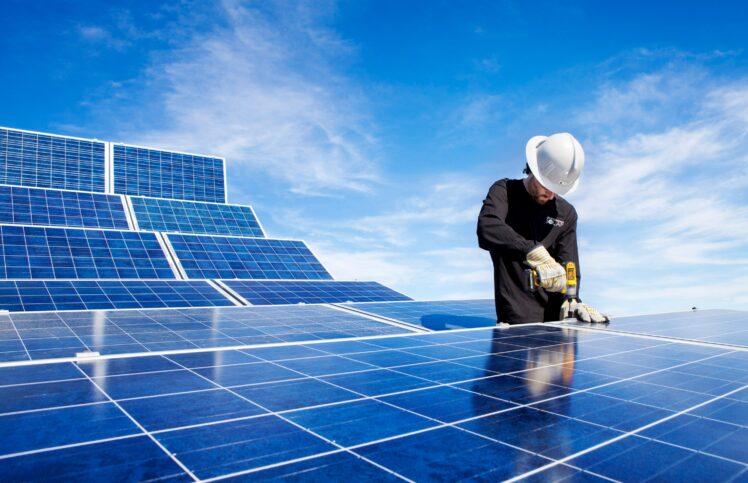 thefrisky.com - Wendy Stokes - Innovative Solar Panel Technologies Brighten Up 2021