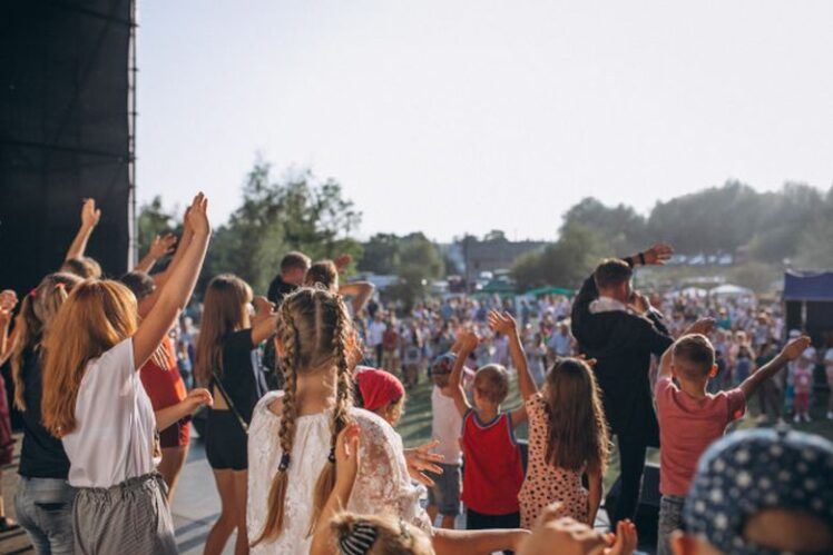 Simple ways you can make your outdoor event germ-free