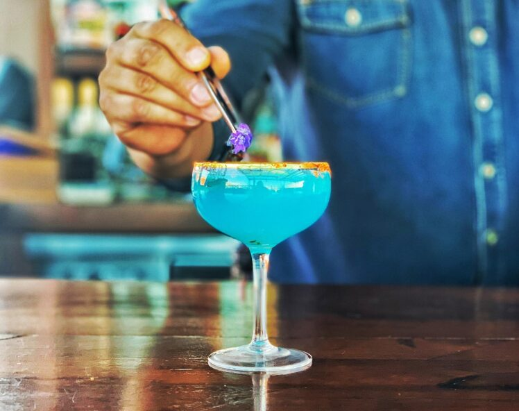 5 Classic and Easy Cocktail Recipes Every Home Bartender Should Master