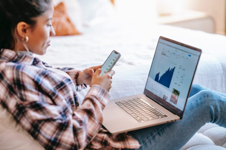 Can You Save Money With an Online Broker Comparison?