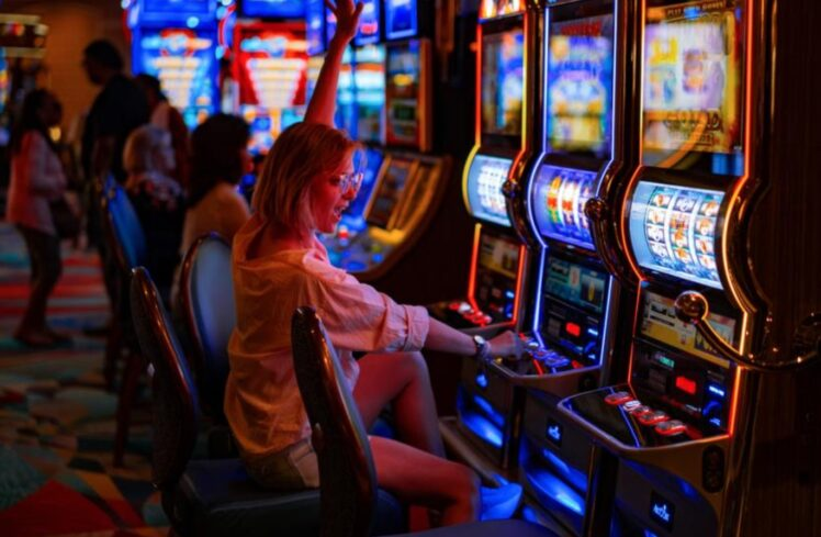 5 Tips & Tricks For Playing The Situs Judi Slots Online