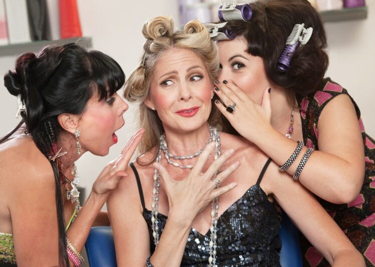 11 Makeup Tips for Older Women Going to A Party