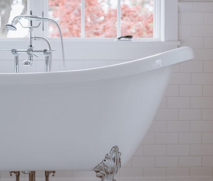 11 Reasons for Having a Bathtub at Home