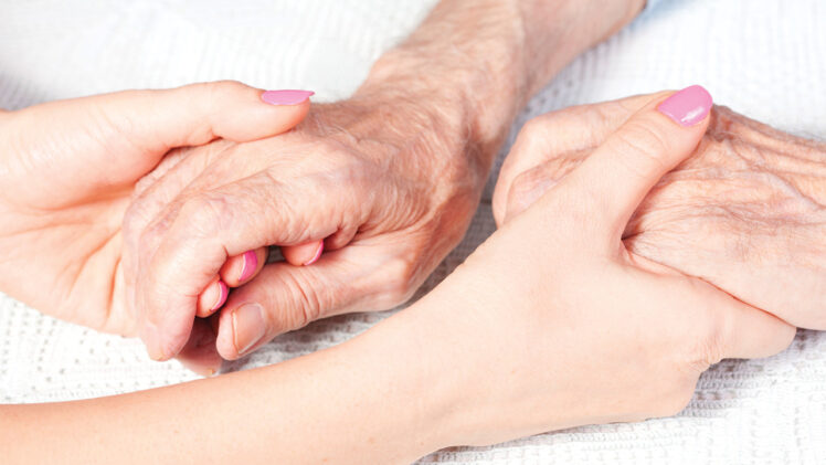 Top 6 Common Issues to Address When Helping Aging Parents